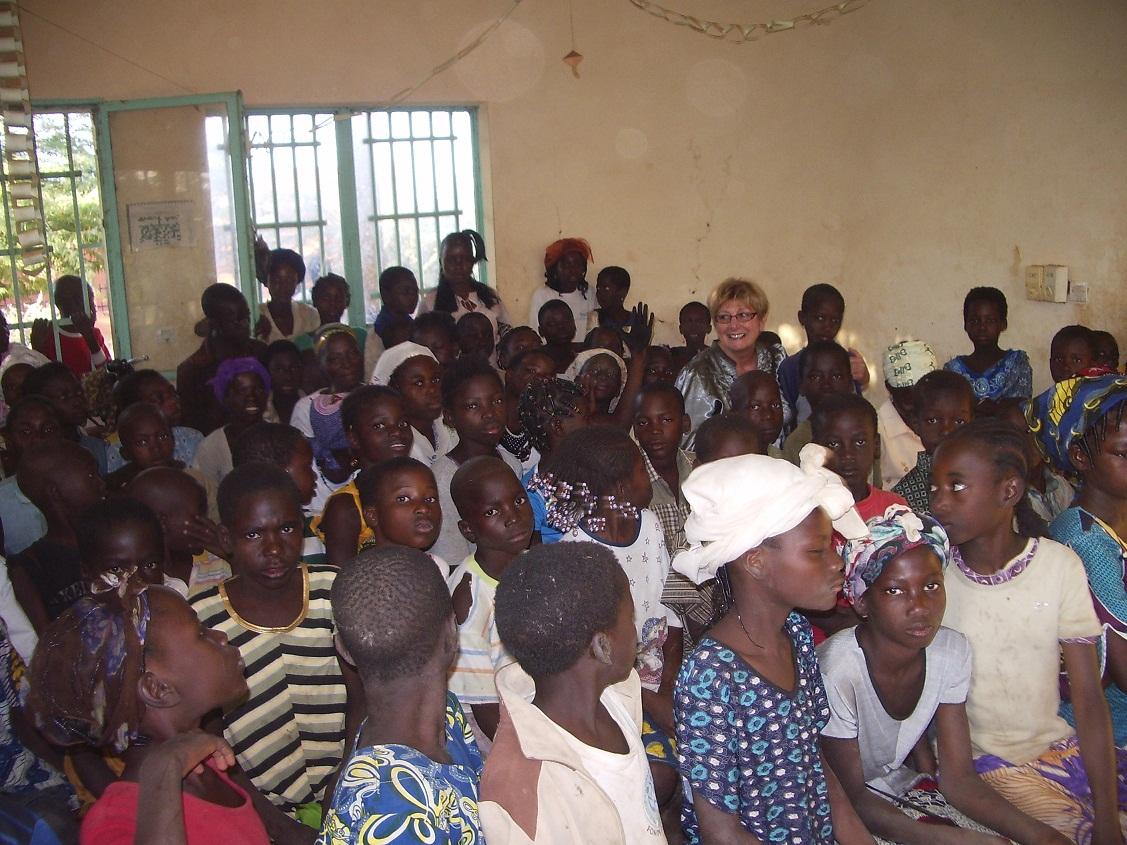 Fête de Noël avec les enfants défavorisé à Bogandé