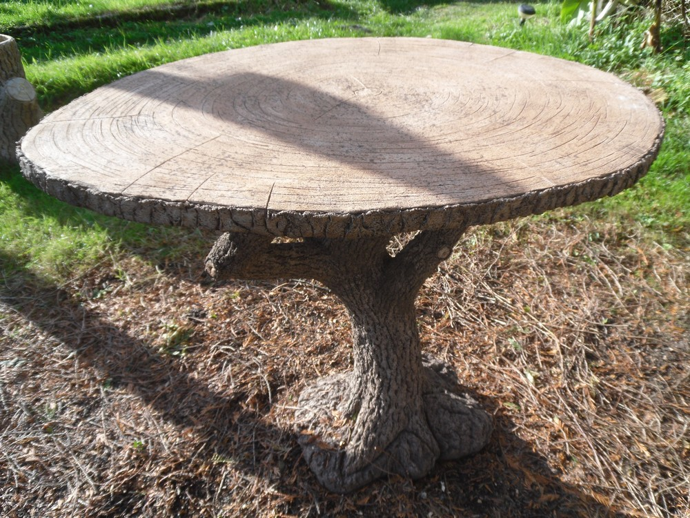 B ton en branches rocaillage rusticage tables de for Table de jardin en ciment