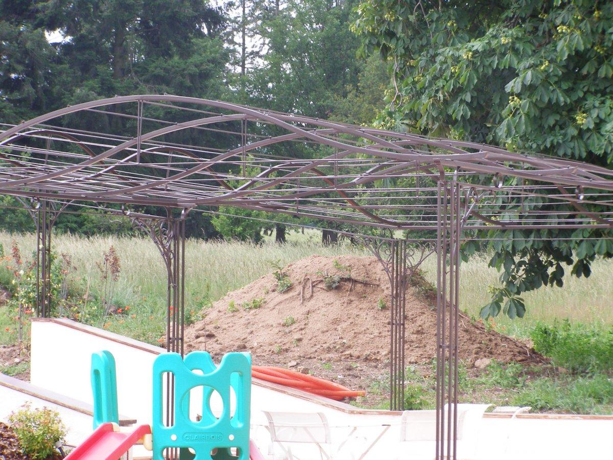 ferronnerie d 39 art rocle pergola gloriette marquise arche de jardin. Black Bedroom Furniture Sets. Home Design Ideas
